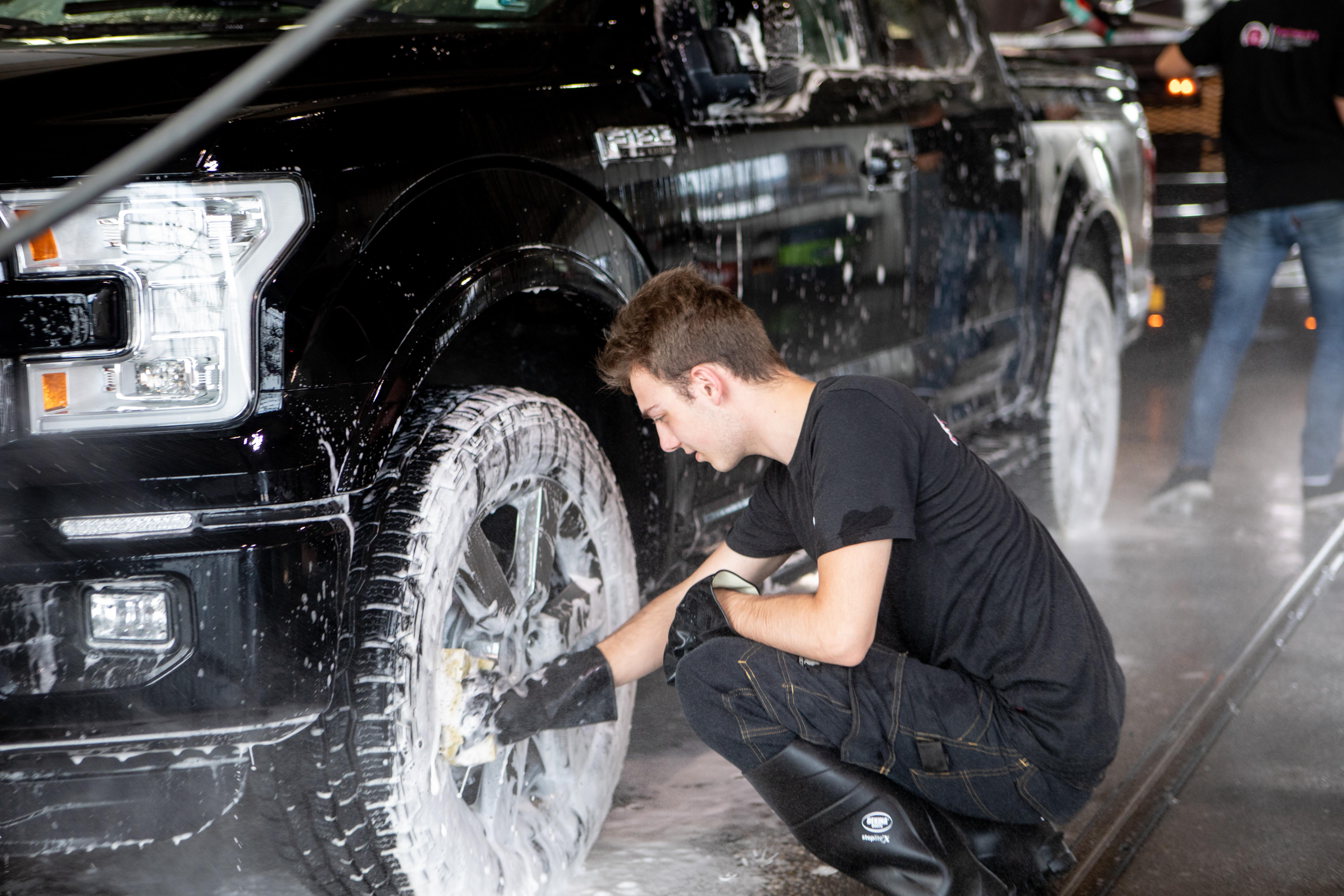chroom poetsen auto